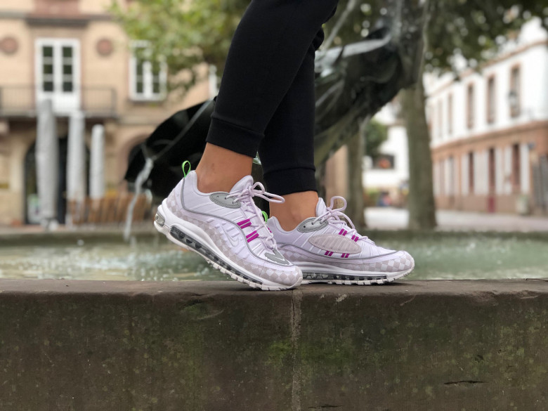 http://www.urbanshooz.fr/19763-large_default/w-air-max-98-barely-grape.jpg