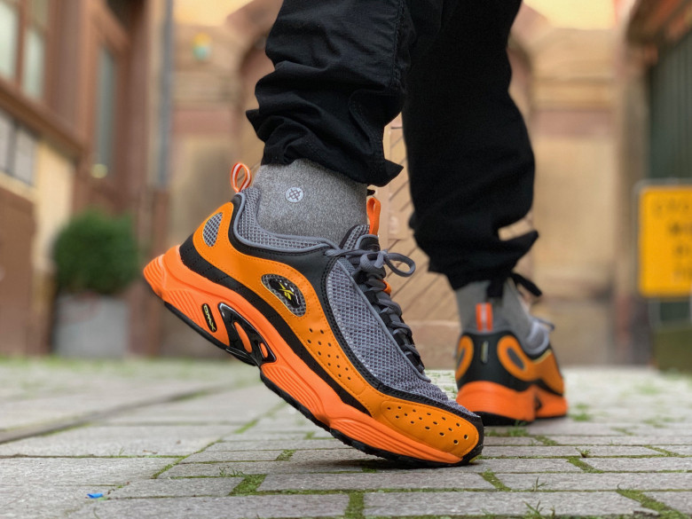DAYTONA DMX II BRIGHT ORANGE