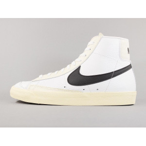 NIKE BLAZER MID '77 SUMMIT WHITE/BLACK-PALE IVORY pas cher & discount