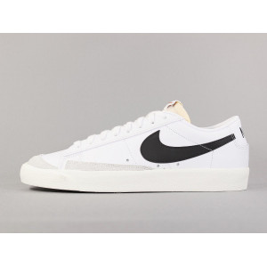 NIKE BLAZER LOW '77 VNTG WHITE/BLACK-SAIL pas cher & discount