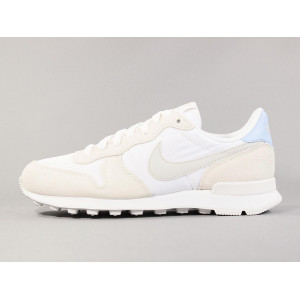 NIKE W INTERNATIONALIST WHITE/LIGHT BONE pas cher & discount