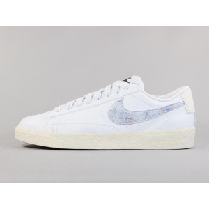 NIKE WMNS BLAZER LOW SE LIGHT ARMORY BLUE pas cher & discount