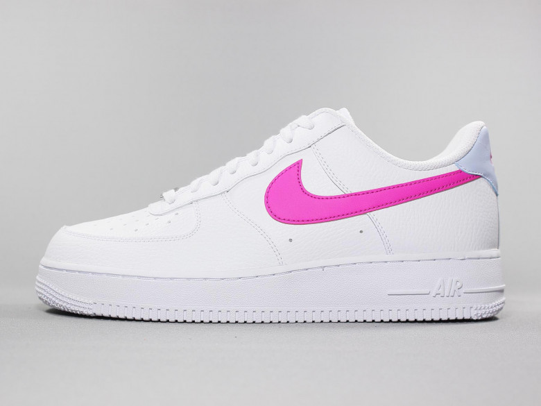 NIKE AIR FORCE 1 '07 WHITE/FIRE PINK