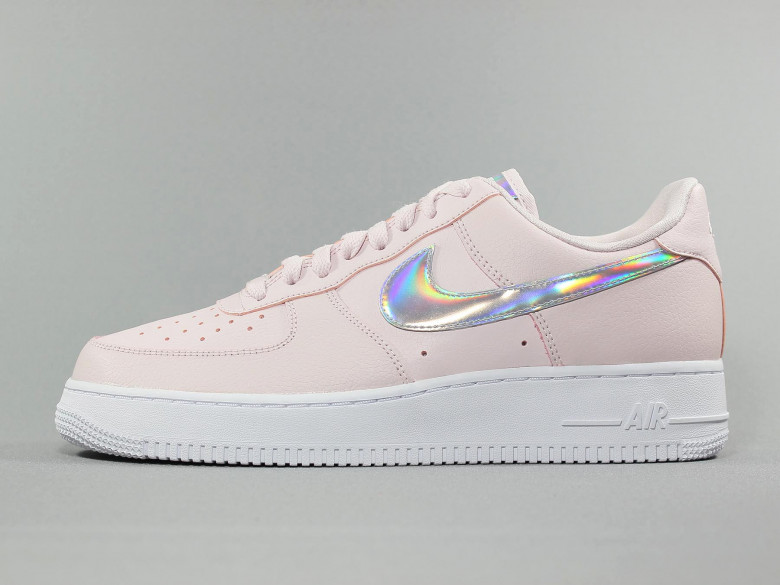 NIKE AIR FORCE 1'07 ESSENTIAL BARELY ROSE